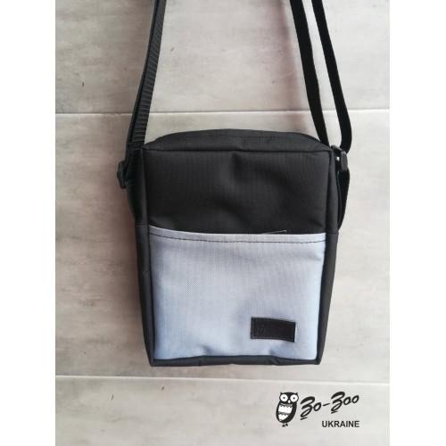 Сумка-мессенджер черная с серым карманом